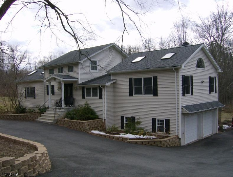 Single Family Home for Sale at 425 Pine Brook Road Lincoln Park, New Jersey 07035 United States