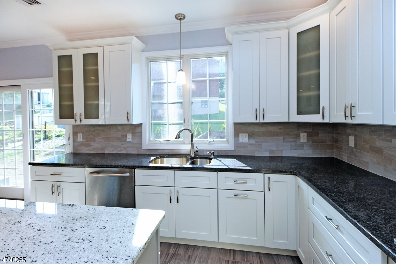 Additional photo for property listing at 266 Valley Road 266 Valley Road Clifton, ニュージャージー 07013 アメリカ合衆国