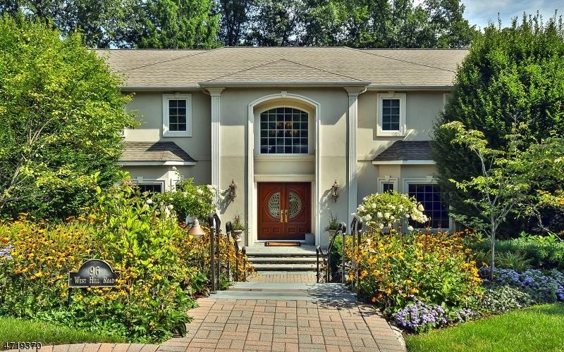 Casa Unifamiliar por un Venta en 96 W Hill Road Woodcliff Lake, Nueva Jersey 07677 Estados Unidos