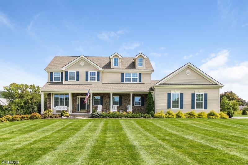 단독 가정 주택 용 매매 에 36 Highlands Way Lopatcong, 뉴저지 08865 미국