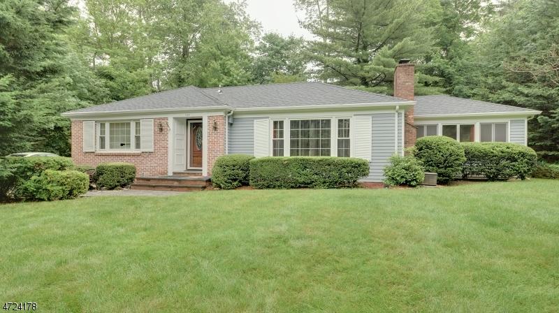 Maison unifamiliale pour l à louer à 344 Old Short Hills Road Millburn, New Jersey 07078 États-Unis
