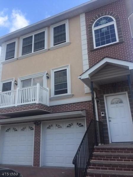 Частный односемейный дом для того Аренда на 22 Maple Street Bloomfield, Нью-Джерси 07003 Соединенные Штаты