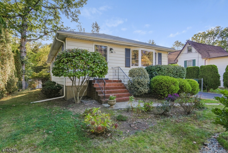 Single Family Home for Sale at 27 Pine Blvd Cedar Knolls, New Jersey 07927 United States