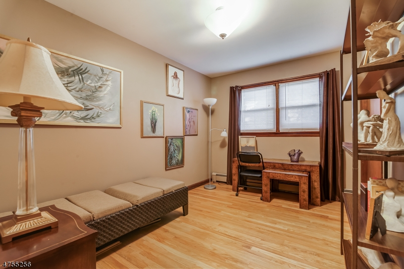 Additional photo for property listing at 27 Pine Blvd 27 Pine Blvd Cedar Knolls, Nueva Jersey 07927 Estados Unidos
