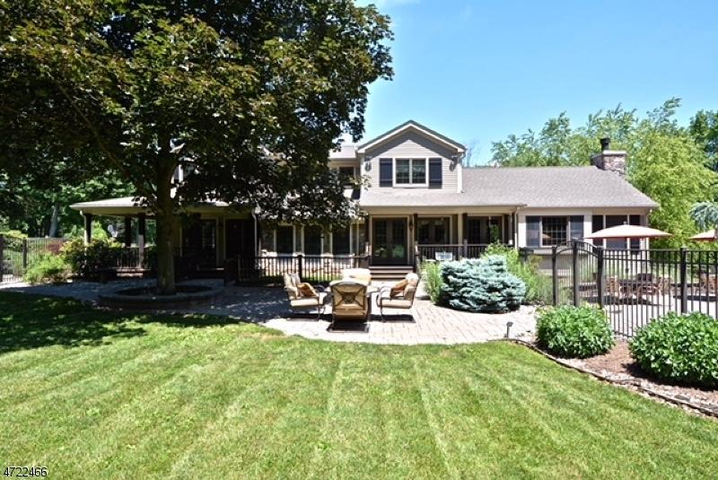 Einfamilienhaus für Verkauf beim 10 Tara Way Franklin, New Jersey 08867 Vereinigte Staaten