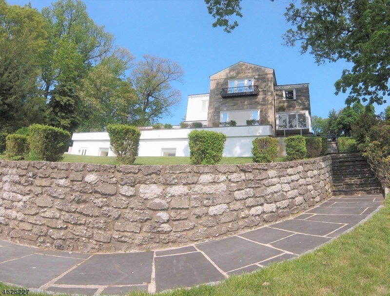 Casa Unifamiliar por un Venta en 31 Gregory Avenue West Orange, Nueva Jersey 07052 Estados Unidos