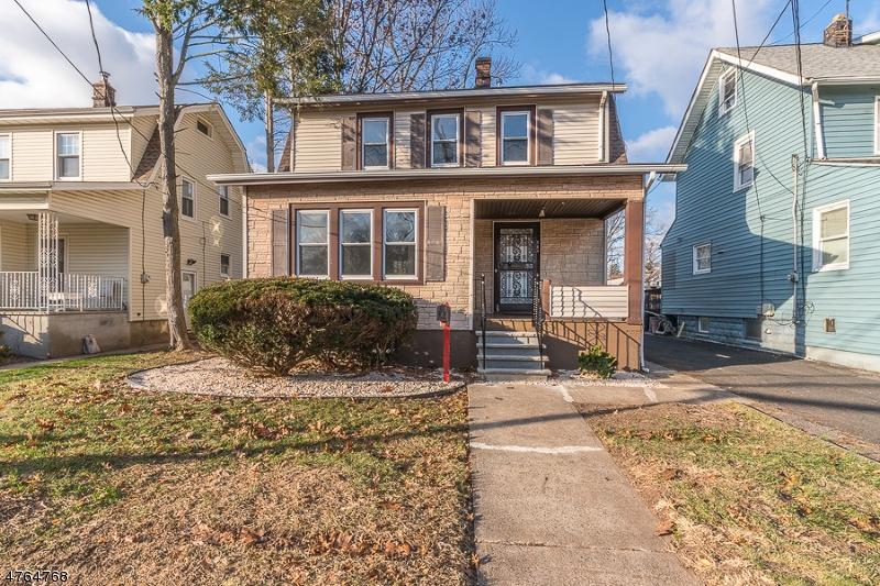 Casa Unifamiliar por un Venta en 718 Chestnut Street 718 Chestnut Street Roselle, Nueva Jersey 07203 Estados Unidos