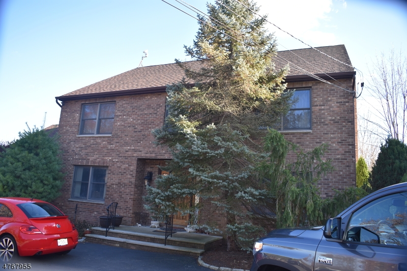 独户住宅 为 销售 在 387 River Road 东汉诺威, 新泽西州 07936 美国