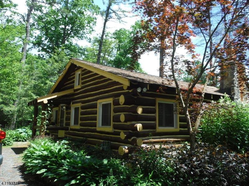 Maison unifamiliale pour l à louer à 62 Pinecrest Trail 62 West Milford, New Jersey 07480 États-Unis