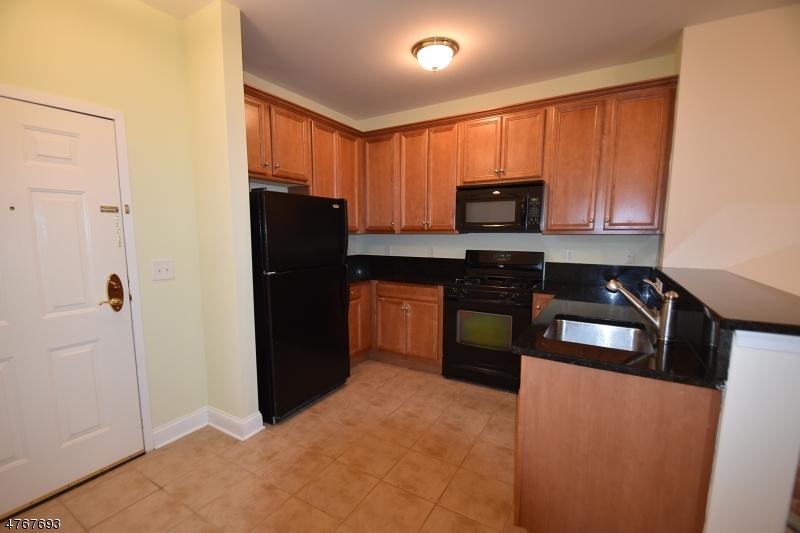 Maison unifamiliale pour l à louer à 7108 Coventry Court Riverdale, New Jersey 07457 États-Unis