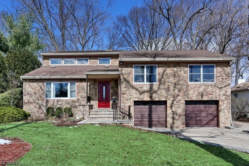 Maison unifamiliale pour l Vente à 292 Cornwall Road Glen Rock, New Jersey 07452 États-Unis