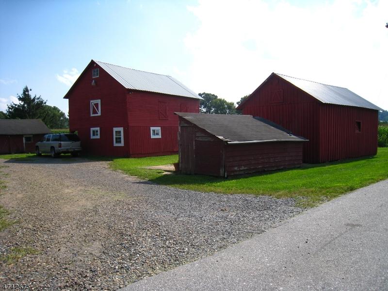 Частный односемейный дом для того Продажа на 126 Brainards Road Phillipsburg, Нью-Джерси 08865 Соединенные Штаты