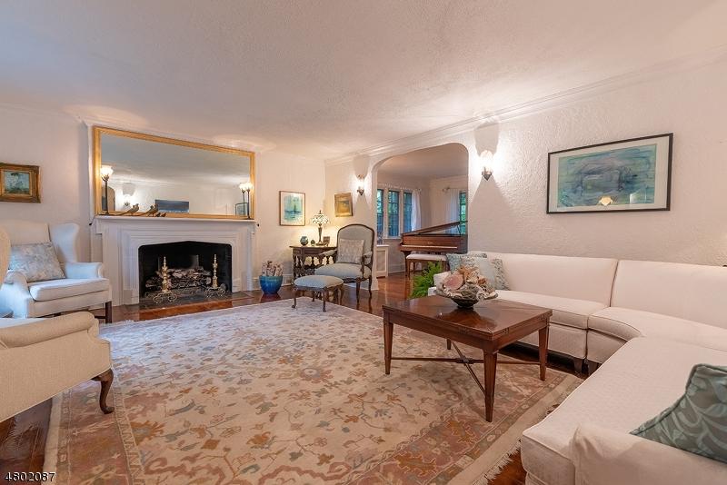 Casa Unifamiliar por un Venta en 299 WYOMING Avenue Maplewood, Nueva Jersey 07040 Estados Unidos