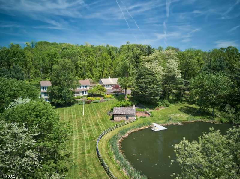 獨棟家庭住宅 為 出售 在 82 Haytown Road Clinton, 新澤西州 08833 美國