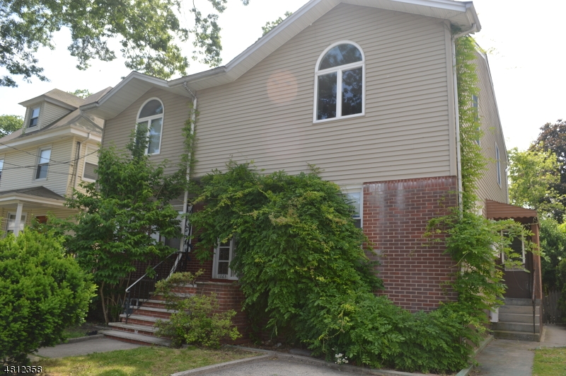 Single Family Home for Sale at 1065 EDGEWOOD Lane Fort Lee, New Jersey 07024 United States