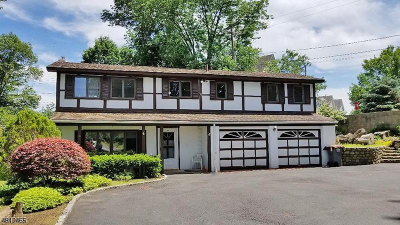 Eensgezinswoning voor Huren op 107 N BERTRAND Road Mount Arlington, New Jersey 07856 Verenigde Staten