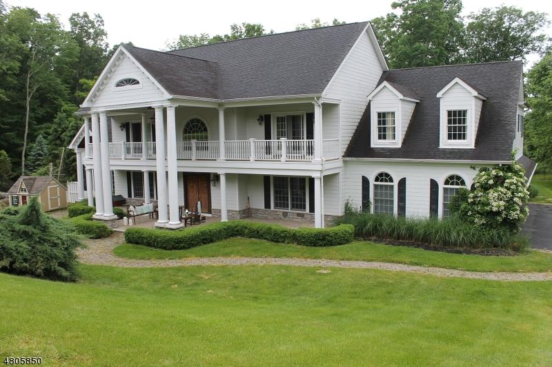 Частный односемейный дом для того Продажа на 9 Staffordshire Court Sparta, Нью-Джерси 07871 Соединенные Штаты