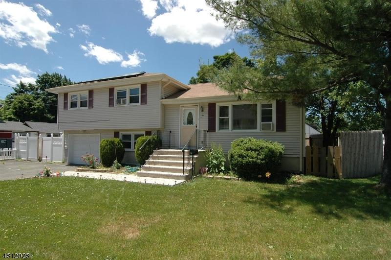 独户住宅 为 销售 在 44 MAIN Street Ogdensburg, 新泽西州 07439 美国