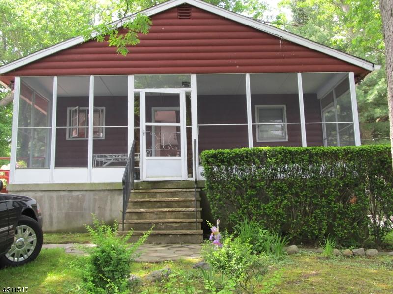 独户住宅 为 销售 在 56 ROCKY POINT Road 西米尔福德, 新泽西州 07421 美国