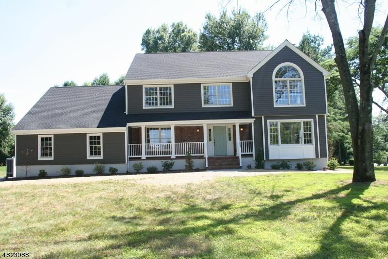 Maison unifamiliale pour l Vente à 5 MURRAY HILL BLVD Berkeley Heights, New Jersey 07974 États-Unis