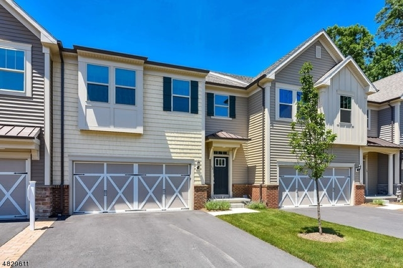 Condo / Townhouse for Sale at 14 MARILYN Drive Woodcliff Lake, New Jersey 07677 United States