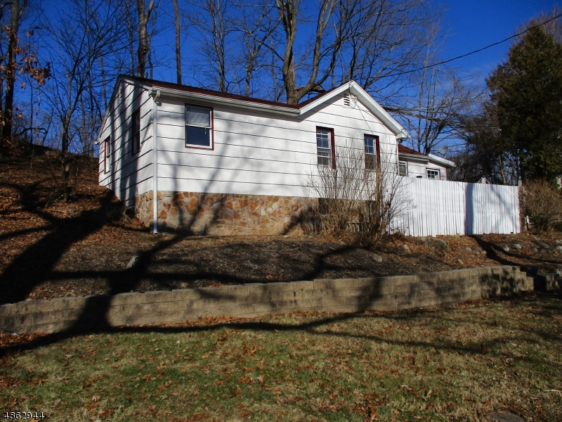 Single Family Home for Sale at 5271 BERKSHIRE VALLEY RD 5271 BERKSHIRE VALLEY RD Jefferson Township, New Jersey 07438 United States