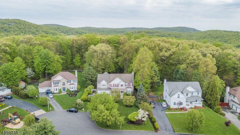 multi-family homes per Vendita alle ore Bloomingdale, New Jersey 07403 Stati Uniti
