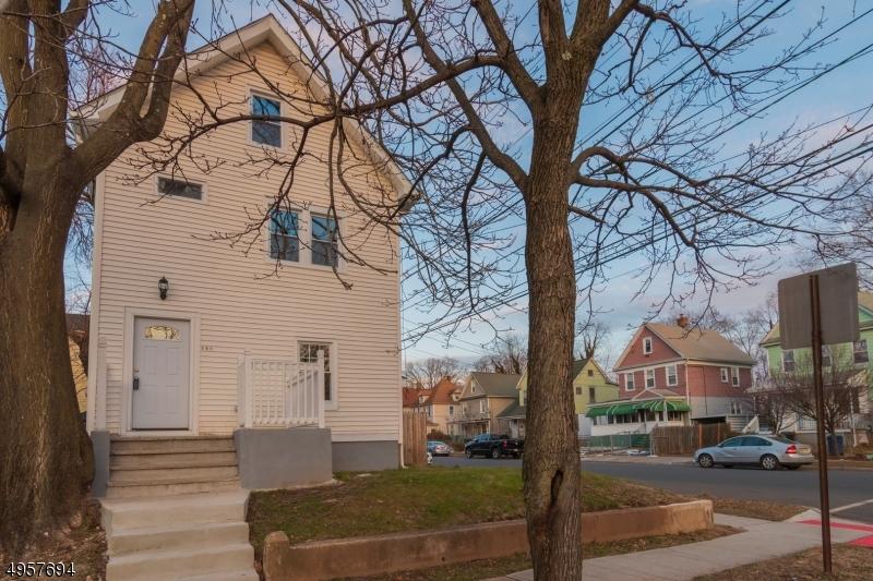 Single Family Homes 为 销售 在 平原镇, 新泽西州 07060 美国