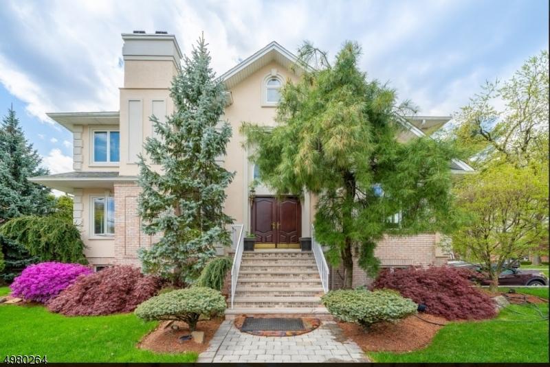 Single Family Homes のために 売買 アット Fort Lee, ニュージャージー 07024 アメリカ