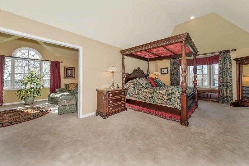 Additional photo for property listing at 8 Coddington Lane  Califon, Nueva Jersey 07830 Estados Unidos