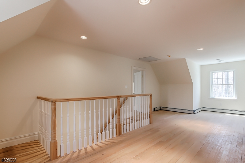 Additional photo for property listing at 834 W Shore Drive  Butler, New Jersey 07405 États-Unis