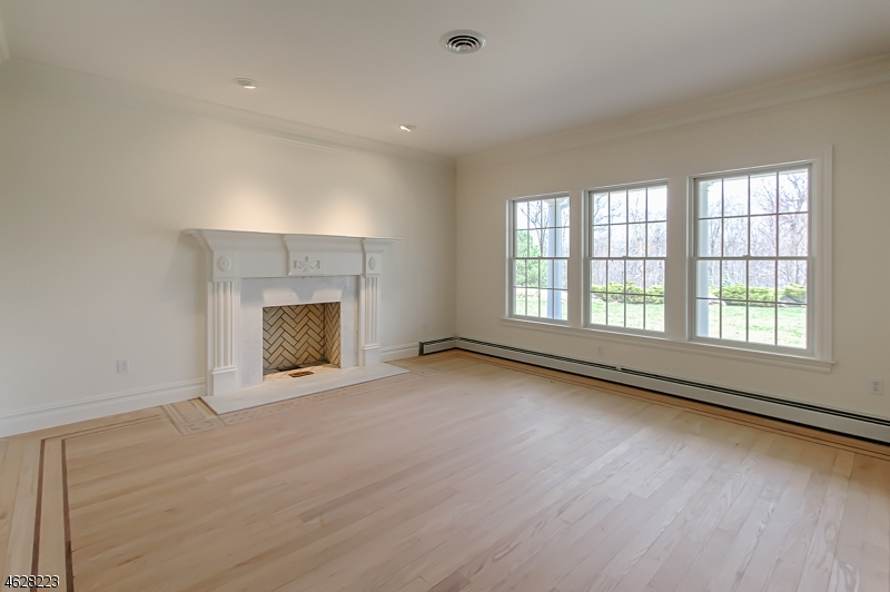 Additional photo for property listing at 834 W Shore Drive  Kinnelon, Nueva Jersey 07405 Estados Unidos