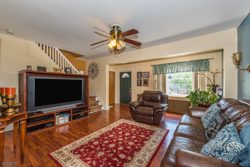 Additional photo for property listing at 55 Lewis Place  Totowa Boro, Nueva Jersey 07512 Estados Unidos