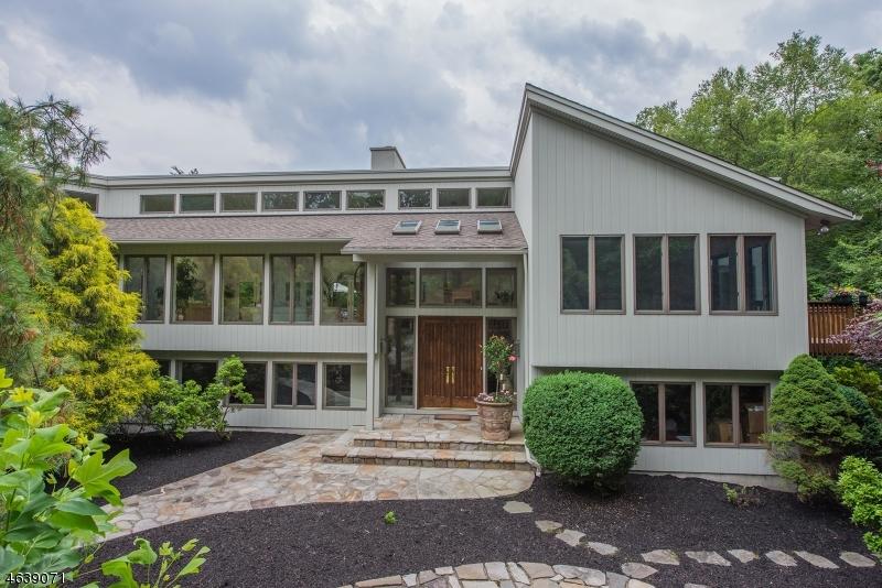 Частный односемейный дом для того Продажа на 18 Red Oak Lane Butler, 07405 Соединенные Штаты