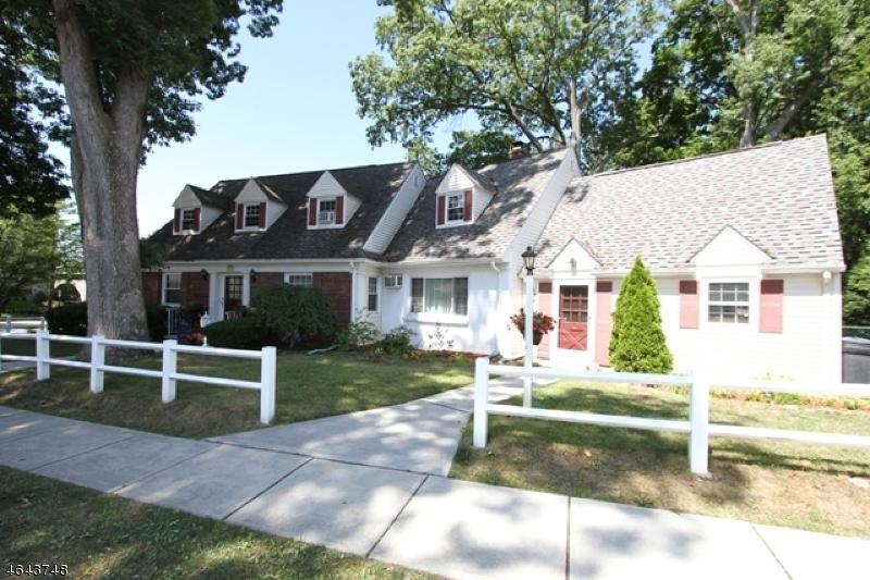Single Family Home for Sale at 208 Washington Hawthorne, 07506 United States