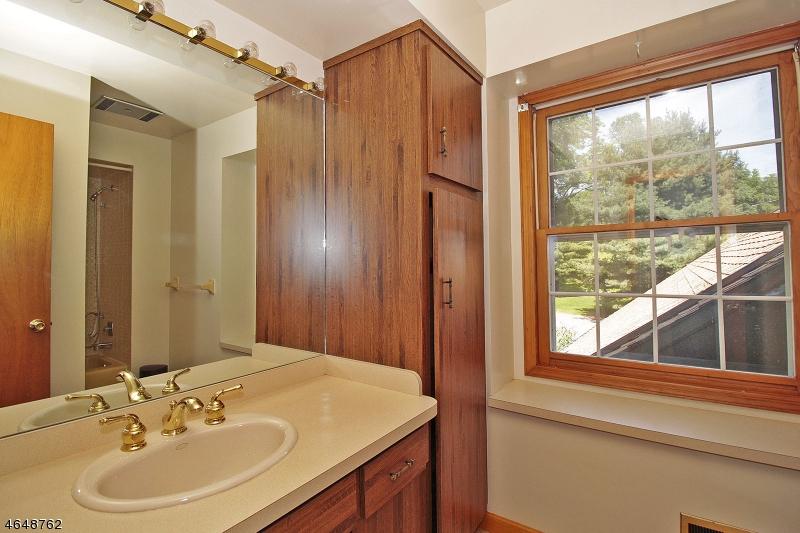 Additional photo for property listing at 1016 Califon-Cokesbury Road  Lebanon, New Jersey 08833 États-Unis