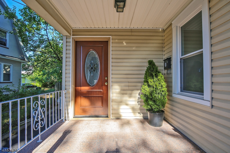 Additional photo for property listing at 12 Ohio Street  Maplewood, Nueva Jersey 07040 Estados Unidos