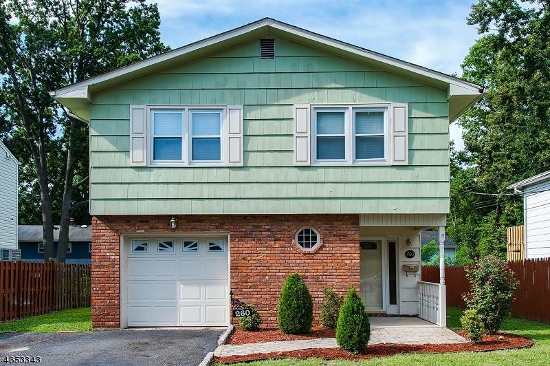 Casa Unifamiliar por un Venta en 260-62 GENEVA Place Plainfield, Nueva Jersey 07062 Estados Unidos