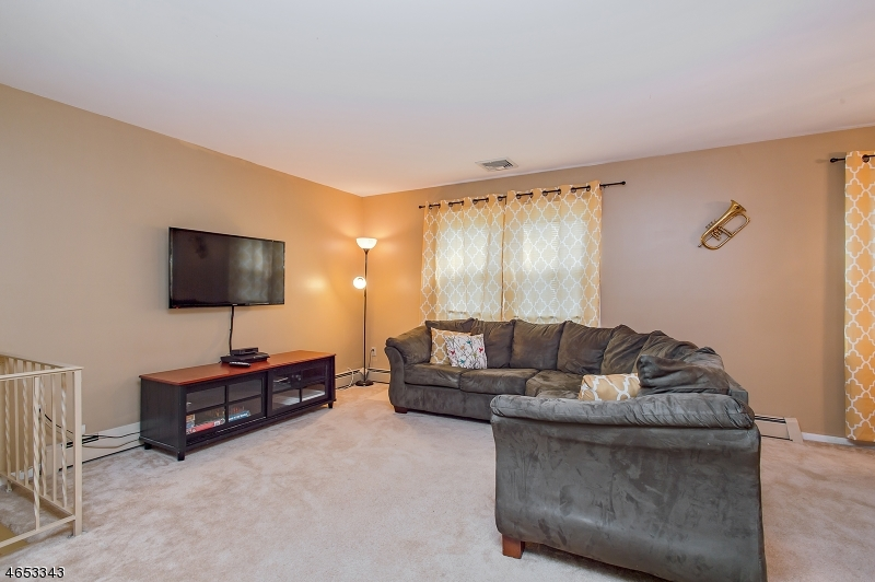 Additional photo for property listing at 260-62 GENEVA Place  Plainfield, Nueva Jersey 07062 Estados Unidos
