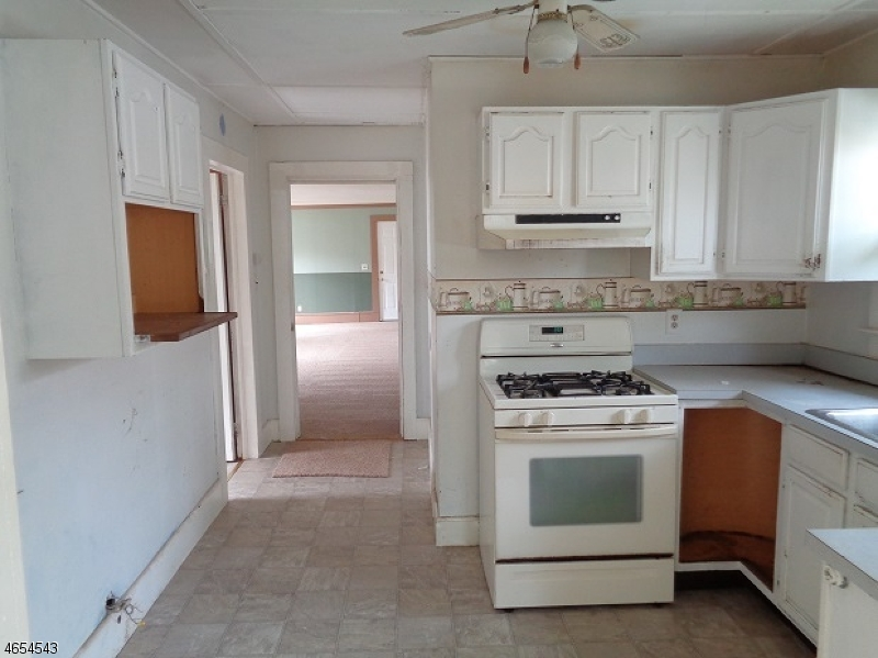 Additional photo for property listing at 18 Woodsedge Avenue  Budd Lake, New Jersey 07828 United States