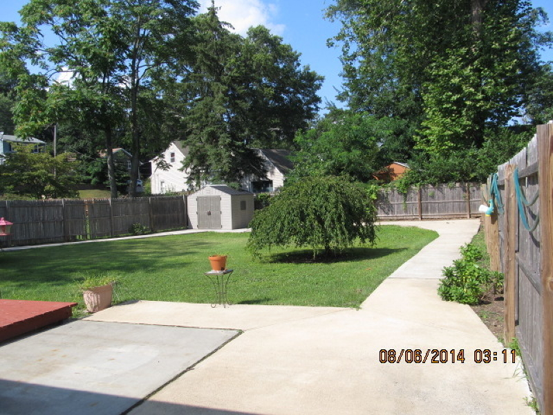 Additional photo for property listing at 122 SWEET BRIAR Lane  Plainfield, Нью-Джерси 07060 Соединенные Штаты