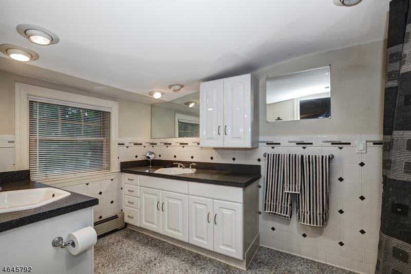 Additional photo for property listing at 72 Washington Drive  Watchung, Nueva Jersey 07069 Estados Unidos