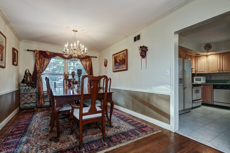 Additional photo for property listing at 72 Washington Drive  沃昌, 新泽西州 07069 美国