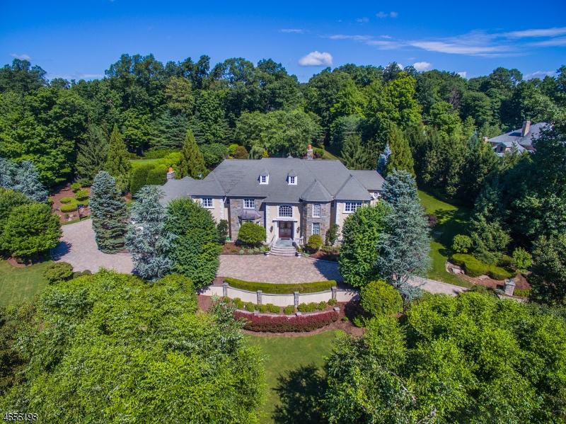 Maison unifamiliale pour l Vente à 701 Galloping Hill Road Franklin Lakes, New Jersey 07417 États-Unis