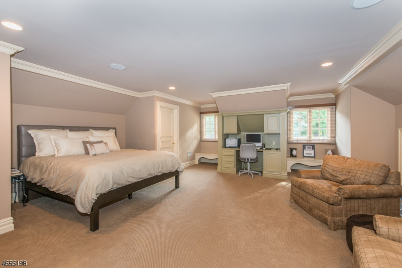 Additional photo for property listing at 701 Galloping Hill Road  Franklin Lakes, New Jersey 07417 États-Unis