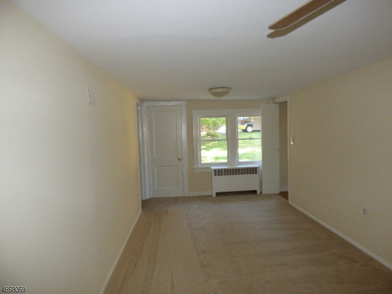 Additional photo for property listing at 17 Manor House Road  Budd Lake, New Jersey 07828 États-Unis