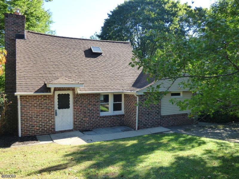 独户住宅 为 销售 在 17 Manor House Road Budd Lake, 新泽西州 07828 美国