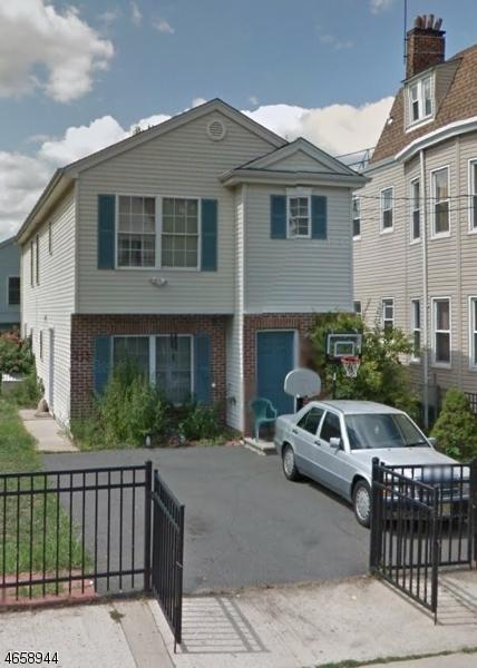 多户住宅 为 销售 在 211-213 S 10TH Street 纽瓦克市, 新泽西州 07107 美国