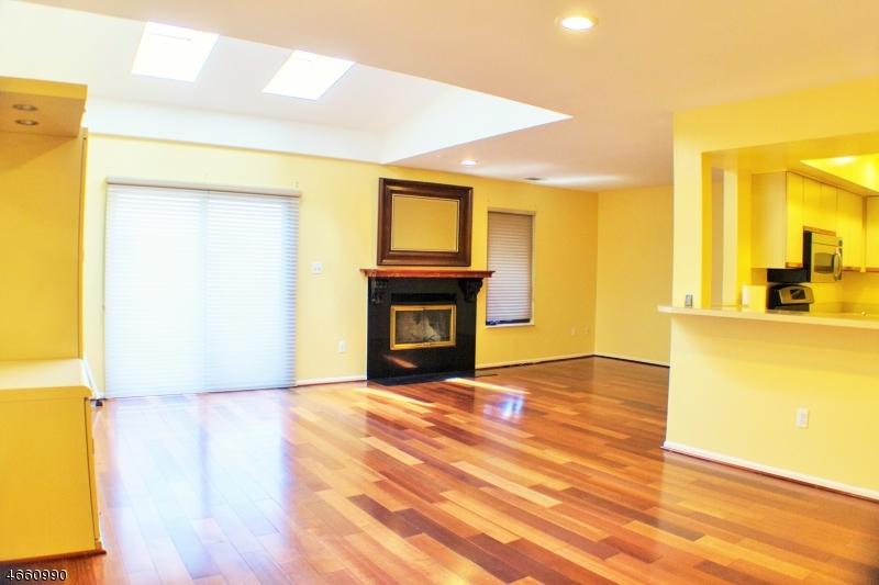 独户住宅 为 出租 在 785 Spinnaker Court 斯考克斯市, 07094 美国