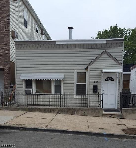 Частный односемейный дом для того Продажа на 1405 44th Street North Bergen, 07047 Соединенные Штаты
